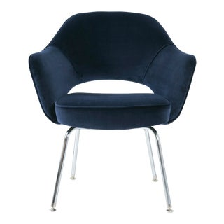 Saarinen Executive Armchair in Navy Velvet