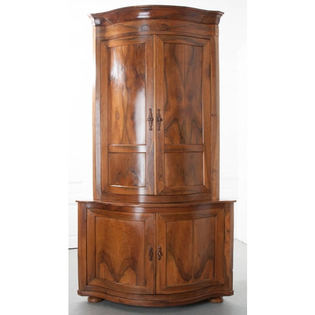 PAIR OF FRENCH 19TH CENTURY WALNUT CORNER CABINETS - Image 3 of 10