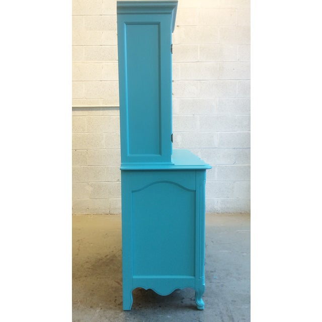 American Turquoise Chippendale Style Oak Hutch - Image 7 of 10