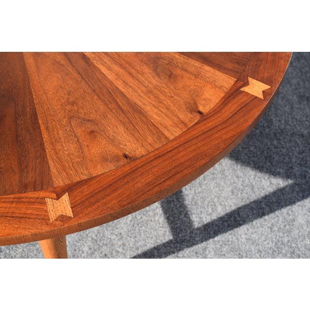 Round Mid Century Modern Coffee Table: Vintage Lane Mid-Century Modern Round Walnut Coffee Table
