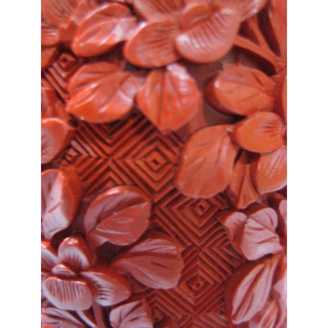 Small Mid-Century Chinese Cinnabar Cabinet Vase - Image 8 of 9