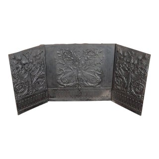 Rare American Early 20th Century Fireback in Iron with Foliate Motifs