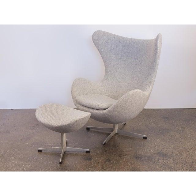 Arne Jacobsen Egg Chair and Ottoman - Image 2 of 11
