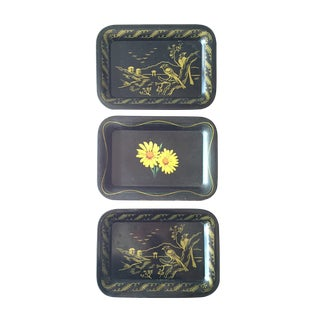 Daisies and Ravens Toile Trays - Set of 3