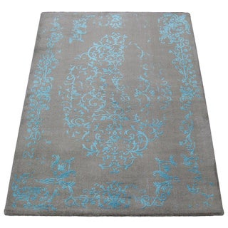 Gray & Turquoise Floral Pattern Rug - 4′5″ × 7′7″