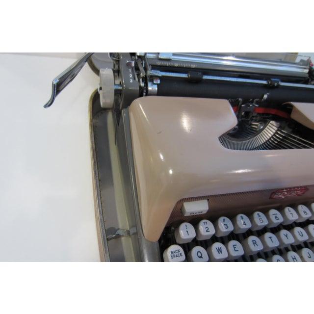 Mid-Century Royal Futura 800 Typewriter - Image 5 of 10