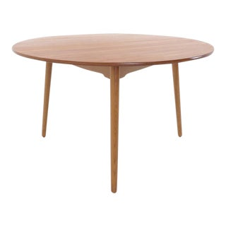 Hans Wegner for Fritz Hansen three legged teak dining table