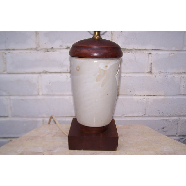 Vintage Art Deco Small Cubist Ceramic & Wood Lamp - Image 5 of 7