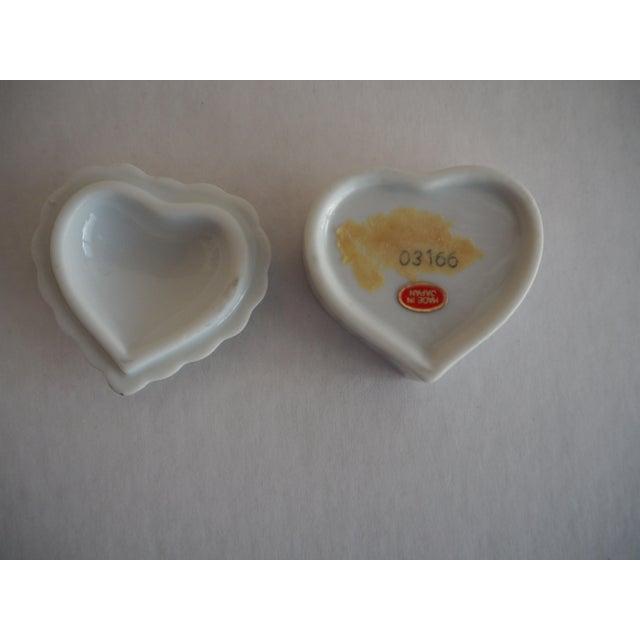 Porcelain Heart Shaped Box - Image 4 of 5