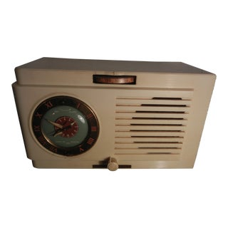 Vintage 1940s-1950s General Electric Bakelite Clock Radio
