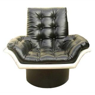 Mid-Century Mod Space Age Lounge Chair