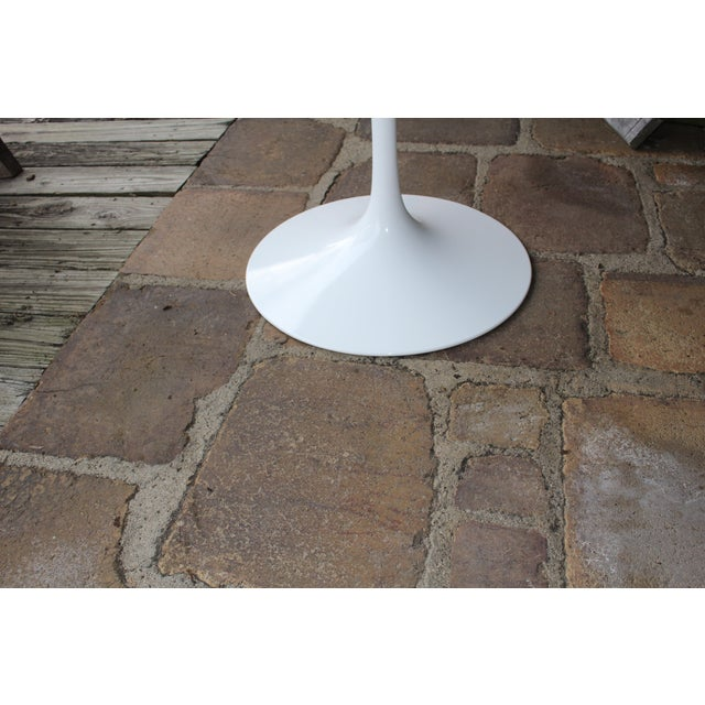 Image of Knoll Saarinen White Tulip Table