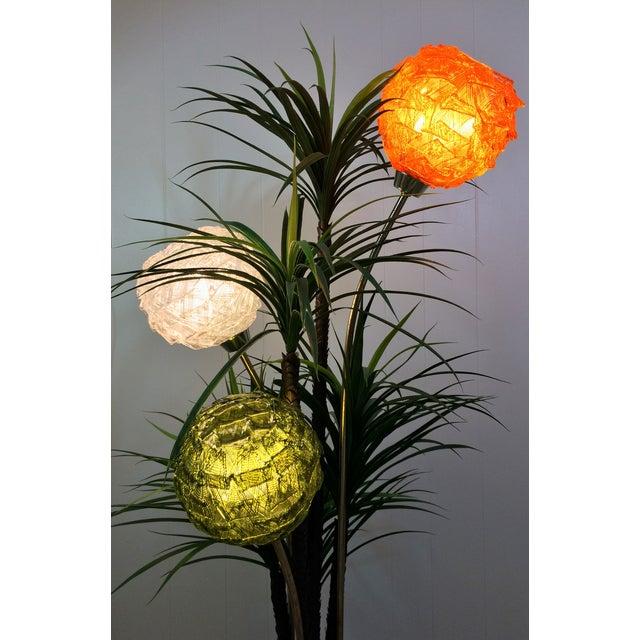 Mid Century Spaghetti Spun Lucite Palm Tree Lamp - Image 4 of 8