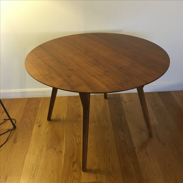 west elm mid century round dining table chairish. Black Bedroom Furniture Sets. Home Design Ideas