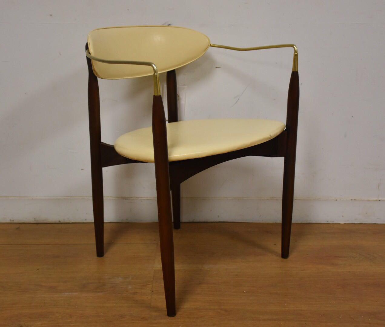 Dan Johnson Beechwood and Off-White Vinyl Viscount Chair - Image 2 of 10