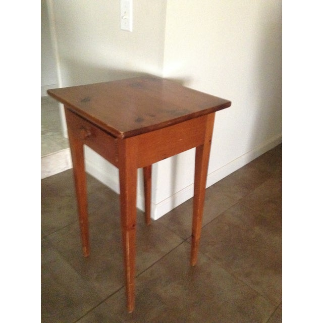 Handcrafted Pennsylvania Shaker Style Accent Table - Image 5 of 5