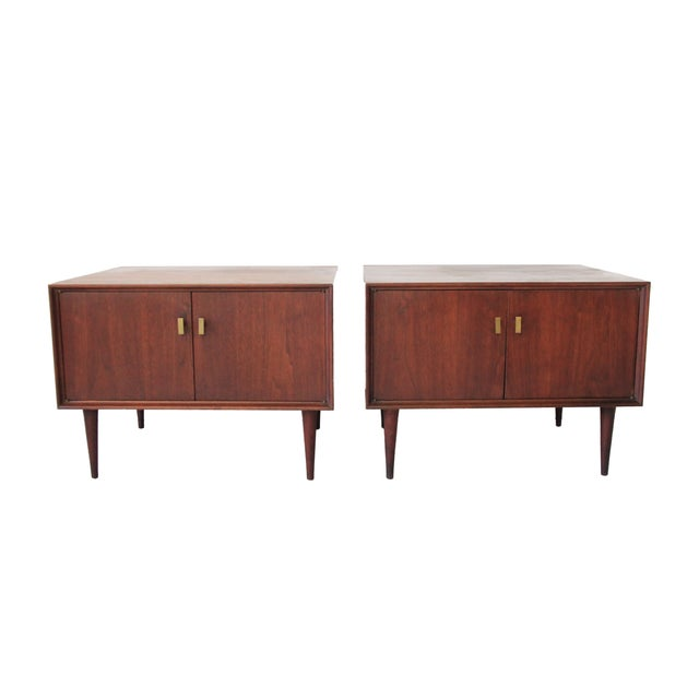 Vintage Mid Century Modern End Tables - Pair - Image 1 of 7