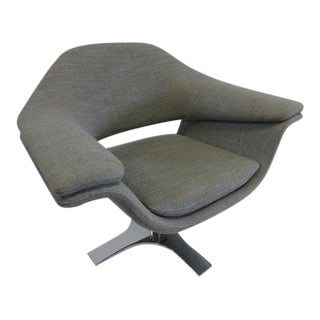 Gray Molteni Hi-Cove Armchair