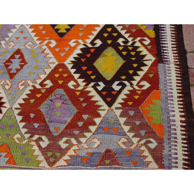 "Vintage Handwoven Turkish Kilim Rug - 4'11"" x 8'6"" - Image 8 of 10"