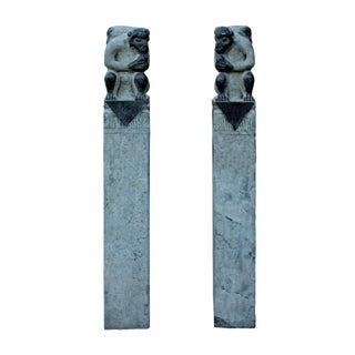 Chinese Pair Gray Color Stone Fengshui Monkeys Tall Slim Pole Statue cs2614