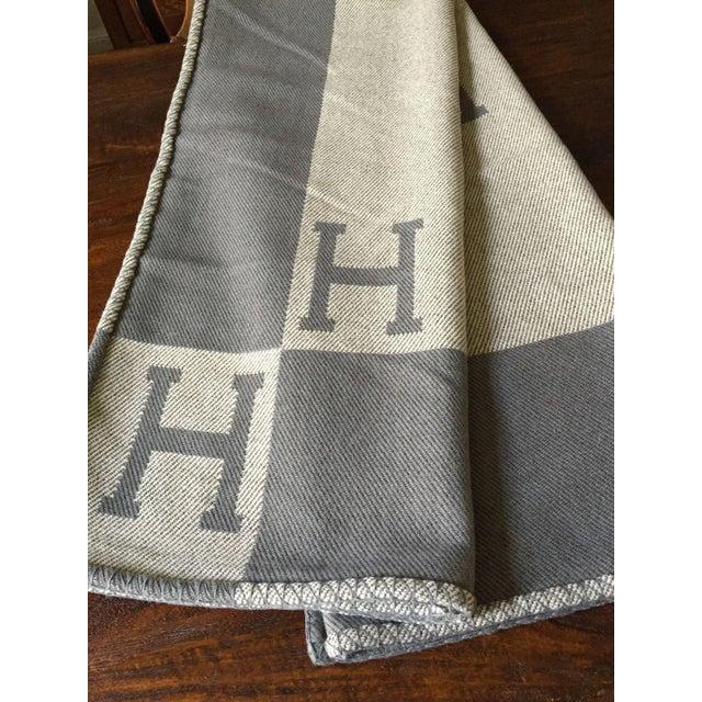 "Hermès Estate ""H"" Avalon Blanket Throw - Image 5 of 8"