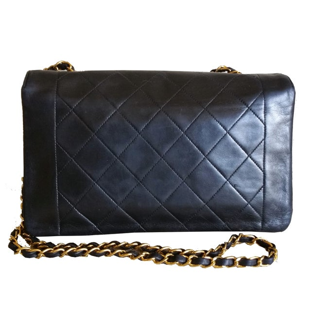 "Image of Chanel 10"" Quilted Leather CC Cross Body Bag"