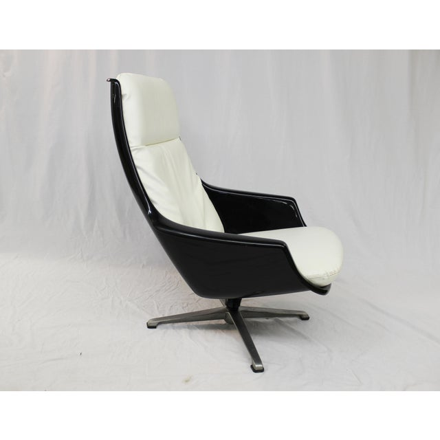 Mid-Century Molded Resin Plastic Chair - Image 5 of 8