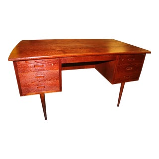 1960s Danish Mid-Century Rosewood Desk with Curved Top