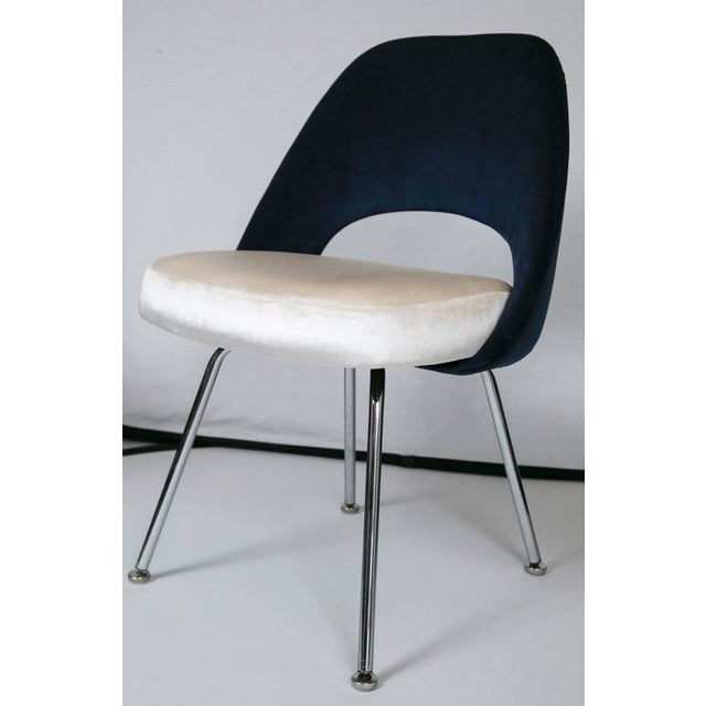 Saarinen Executive Armless Chairs in Ivory/Navy Velvet, Set of Six - Image 4 of 10