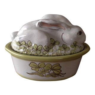 Stoneware Vintage Easter Rabbit Covered Casserole Dish