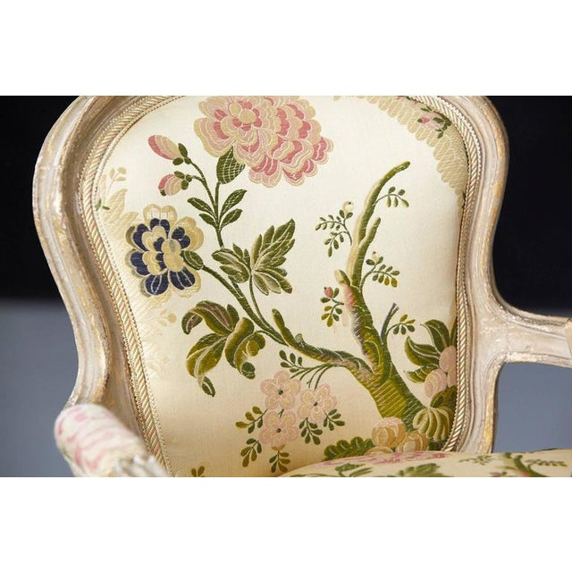 French Louis XV Style Painted Child's Fauteuil in Flower Chintz Fabric from ABC - Image 9 of 10