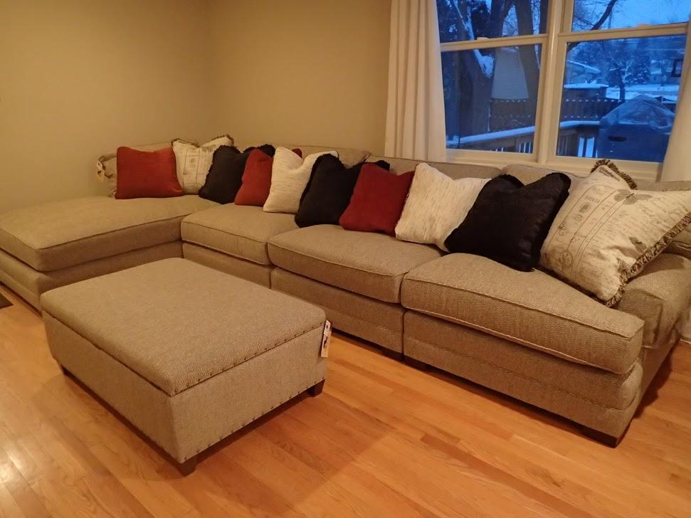 king hickory casbah sectional with ottoman image 3 of 4