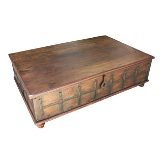 Rustic Style Coffee Table with Storage Inside