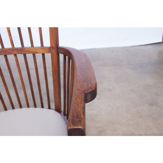 Arts & Crafts Style Spindle Back Armchair - Image 4 of 5