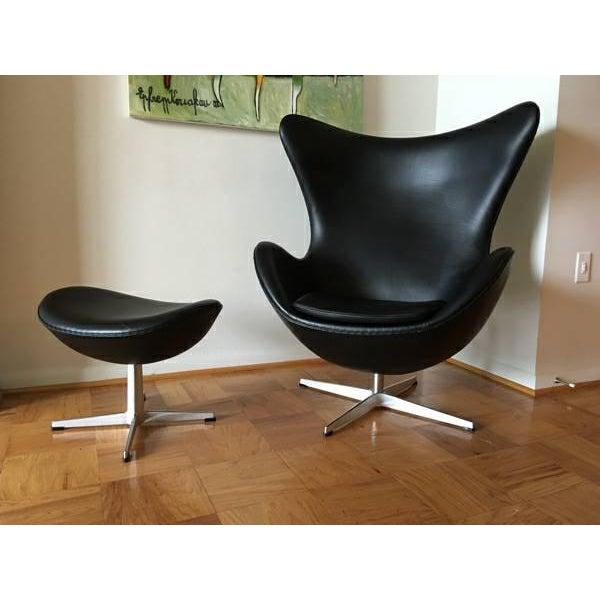 Arne Jacobson for Fritz Hansen Egg Easy Chair & Footstool - Image 2 of 9