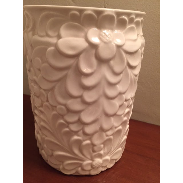 Italian White Ceramic Jar & Wood Lid - Image 4 of 4