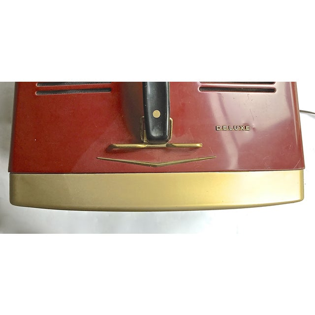 Mid-Century Modern RCA Victor DeLuxe Portable TV - Image 8 of 8