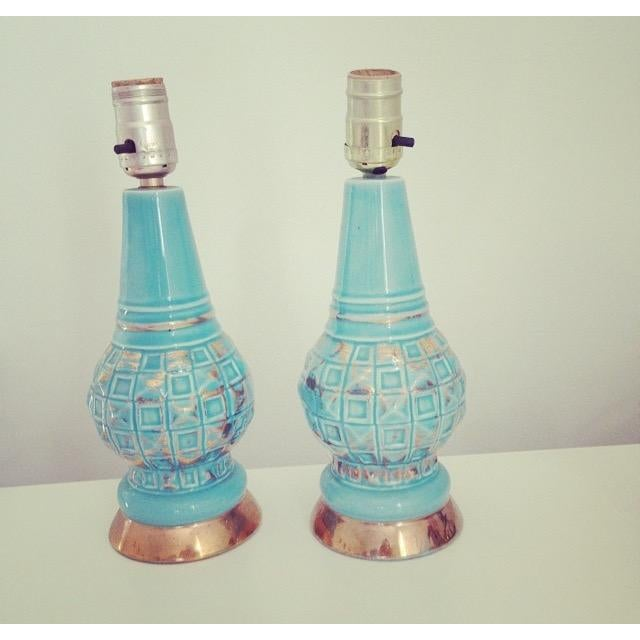 Mid-Century Blue & Gold Faceted Ceramic Lamps - Image 2 of 5