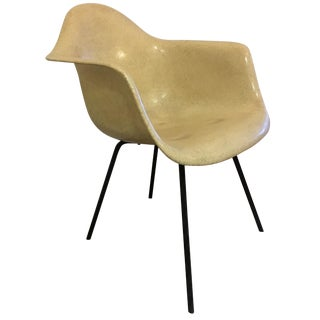 1950s Eames Fiberglass Side Chair
