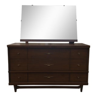 Bassett Mid-Century Dresser With Adjustable Mirror