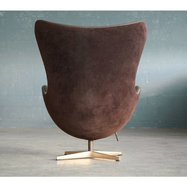 Golden Egg Chair Special Anniversary Edition by Fritz Hansen - Image 8 of 11