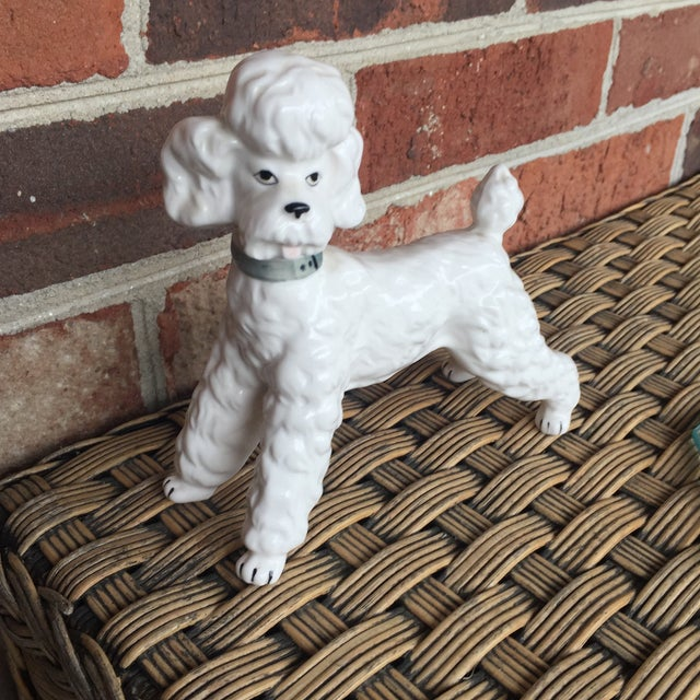 Vintage Ceramic Staffordshire Style Poodle Dog Figurine - Image 8 of 11
