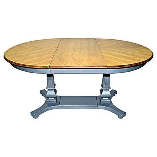 Federal Extendable Round Dining Table