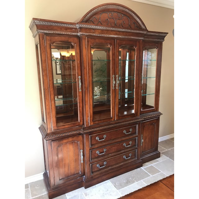 Hickory White Legends China Cabinet - Image 2 of 10