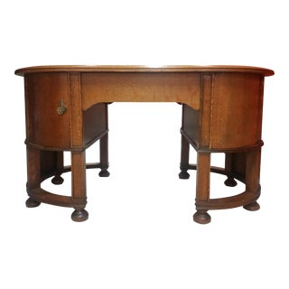 Oak Oval Partners Desk