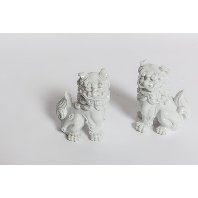 White Ceramic Foo Dogs - A Pair - Image 4 of 4