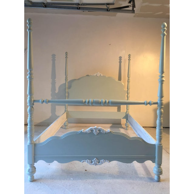 Image of Cottage Country Style Antique Double Size White Bed