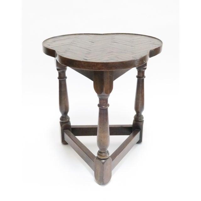 Traditional Vintage Wood Trefoil Side Table - Image 2 of 7