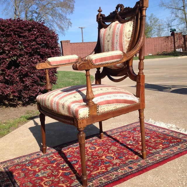 19th Century French Carved Mahogany Dining Arm Chairs - a Pair - Image 8 of 11
