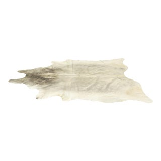 Genuine Brazilian Cowhide, Silver - 6′6″ × 7′6″